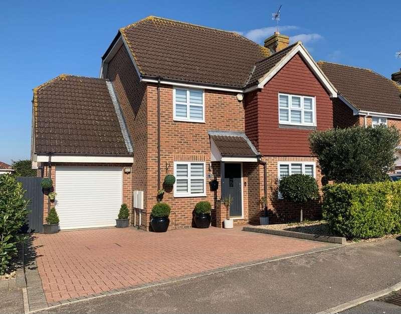 5 Bedrooms Detached House for sale in Oastview, Rainham, Kent, ME8