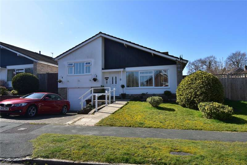 2 Bedrooms Detached Bungalow for sale in Hookswood Close, Crowborough, TN6