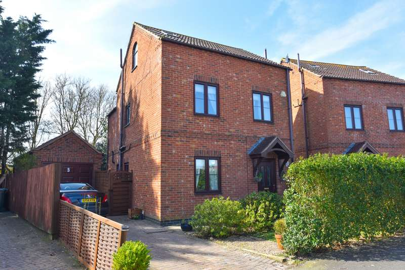 4 Bedrooms House for sale in Keaton Close, Skegness, PE25