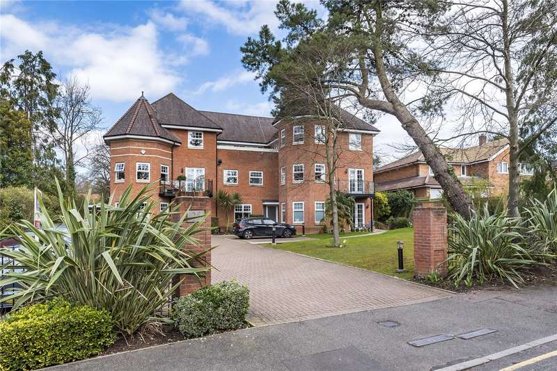 2 Bedrooms Apartment Flat for sale in Frithwood Avenue, Northwood, Hertfordshire, HA6