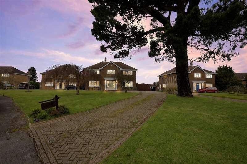 5 Bedrooms Detached House for sale in Dane Close, Hartlip, Sittingbourne