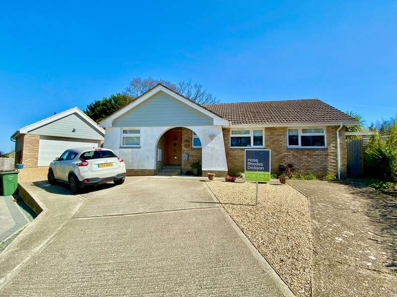 3 Bedrooms Detached Bungalow for sale in Oaklands Close, Fishbourne