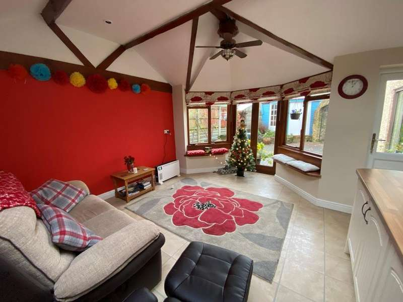 3 Bedrooms Detached House for sale in Brook Street, Heage, Belper