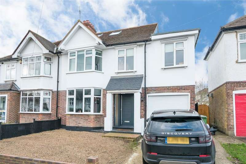 4 Bedrooms Semi Detached House for sale in Chiltern Drive, Surbiton KT5