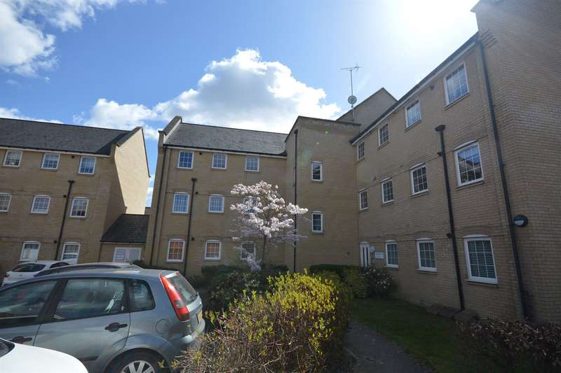 2 Bedrooms Flat for sale in Hammond Place, Nowell Close, Braintree, CM7
