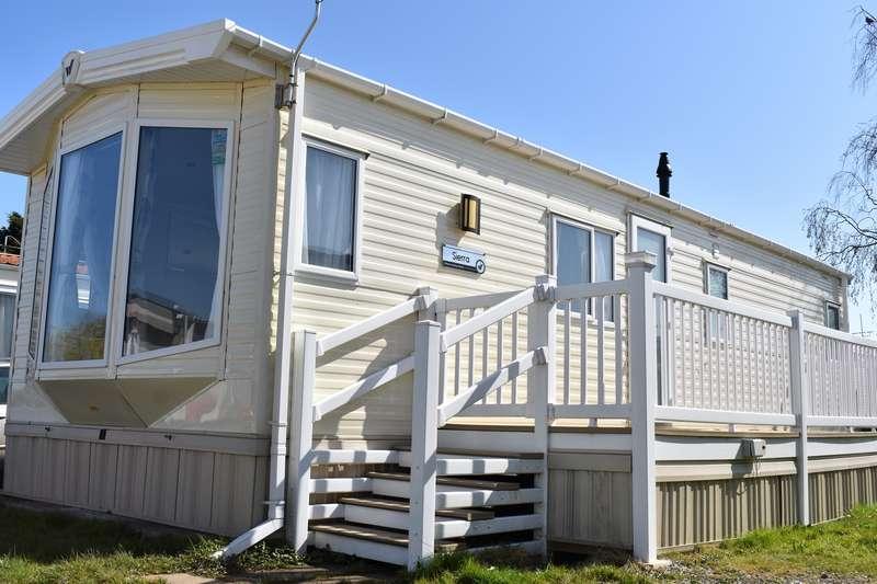 2 Bedrooms Caravan Mobile Home for sale in Eastlands Meadow Country Park, Essex