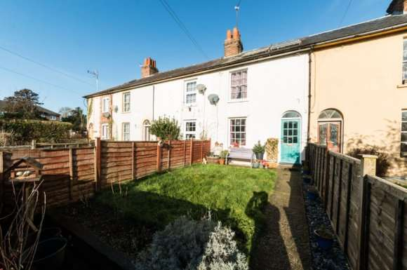 2 Bedrooms Terraced House for sale in Madeira Place, Newbury, RG14
