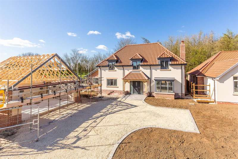 4 Bedrooms Detached House for sale in Cow Lane, Tealby, Market Rasen