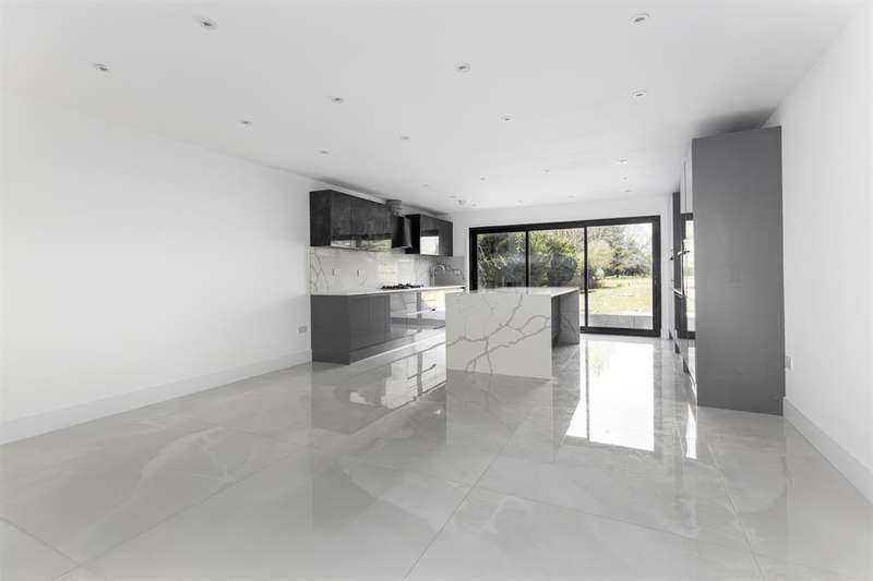 4 Bedrooms Semi Detached House for sale in Tentelow Lane, Norwood Green, Middlesex, UB2 4LP
