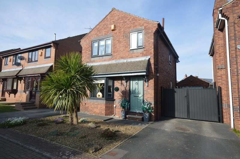 3 Bedrooms Detached House for sale in Snydale Court, Normanton