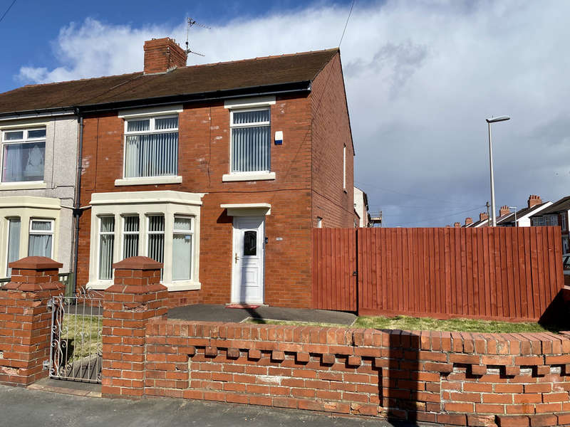 3 Bedrooms Semi Detached House for sale in Abbey Road, South Shore