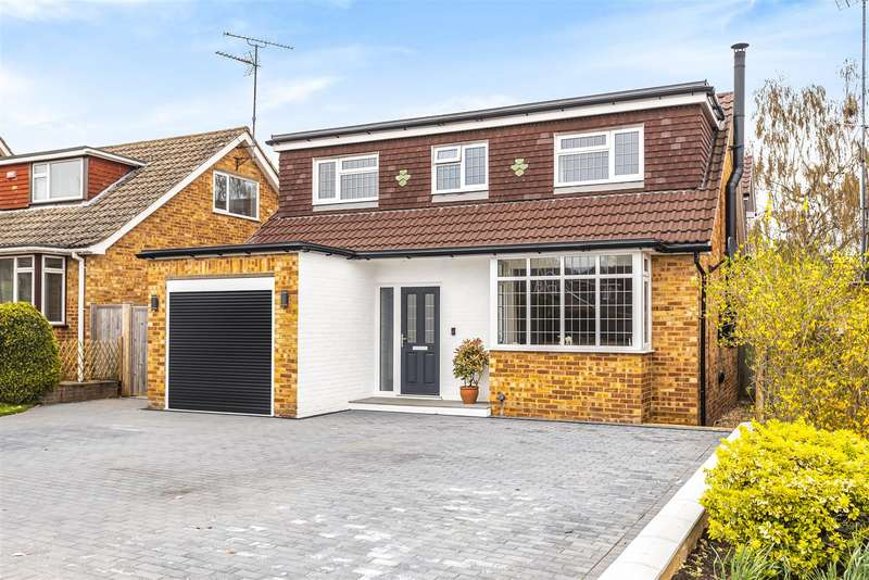 4 Bedrooms Chalet House for sale in Walter Road, Wokingham, Berkshire, RG41 3JB