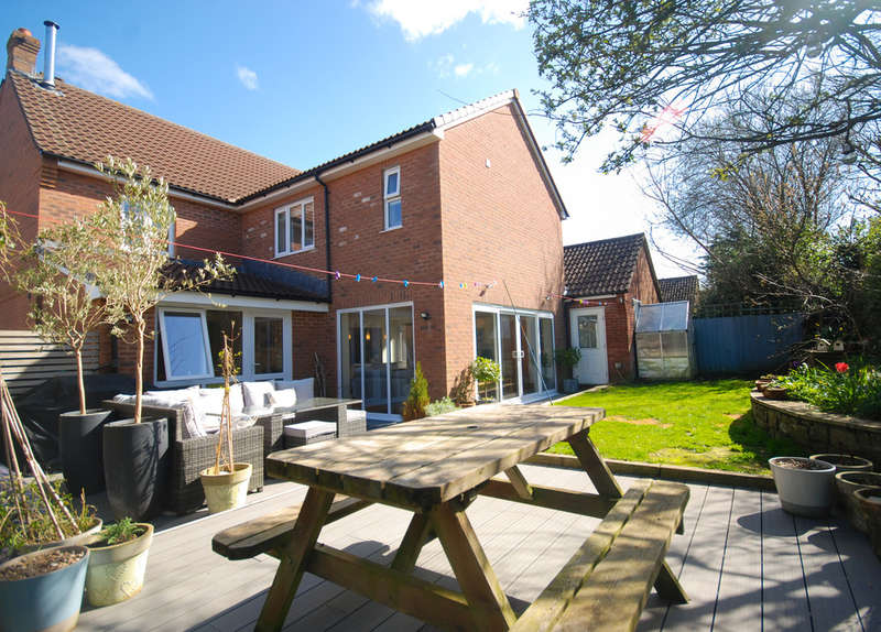 5 Bedrooms Detached House for sale in King Alfred Crescent, Northam