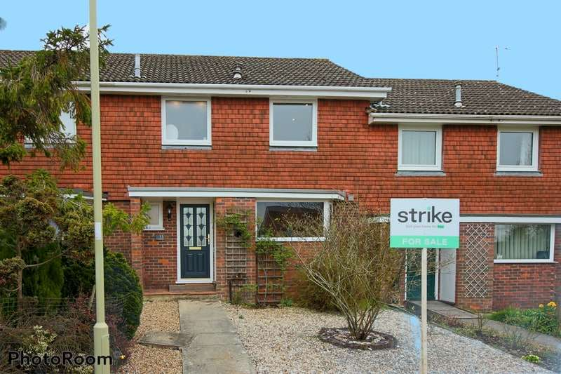 3 Bedrooms Terraced House for sale in Hasted Drive, Alresford, Hampshire, SO24