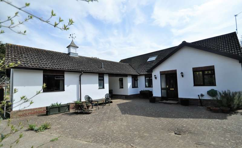 5 Bedrooms Detached Bungalow for sale in Chediston, Halesworth