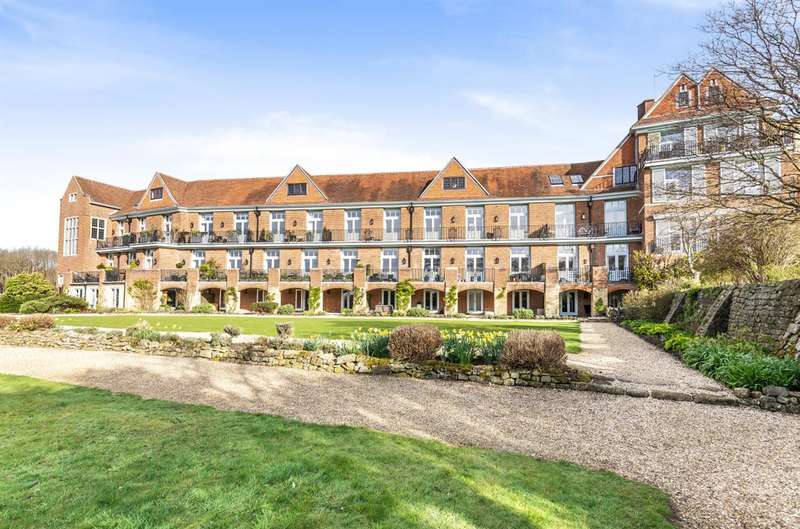 2 Bedrooms Apartment Flat for sale in King Edward VII Apartments, Kings Drive, Midhurst