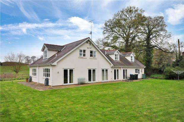 5 Bedrooms Detached House for sale in Stansty Park, Mold Road, Wrexham