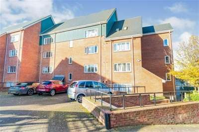2 Bedrooms Flat for rent in Heron Quay, MK40