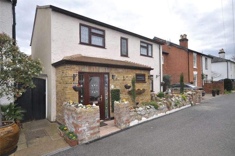 4 Bedrooms House for sale in Police Station Road, Hersham, WALTON-ON-THAMES, Surrey, KT12