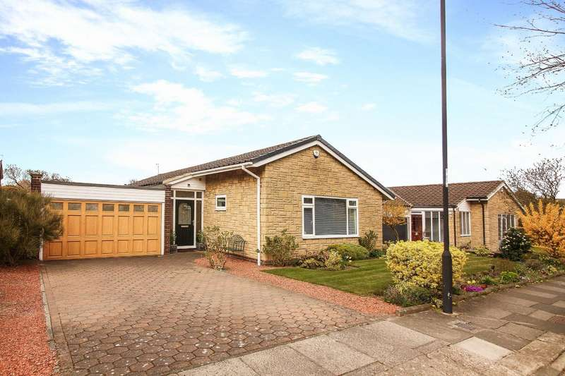 3 Bedrooms Detached Bungalow for sale in Craster Close, Whitley Bay