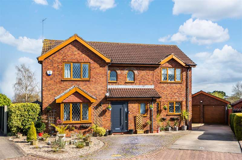 5 Bedrooms Detached House for sale in Maple Close, Louth, LN11 0DW