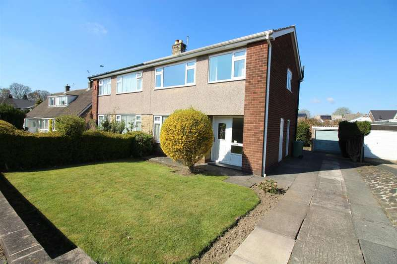 3 Bedrooms Semi Detached House for sale in Wharfedale Crescent, Garforth, Leeds