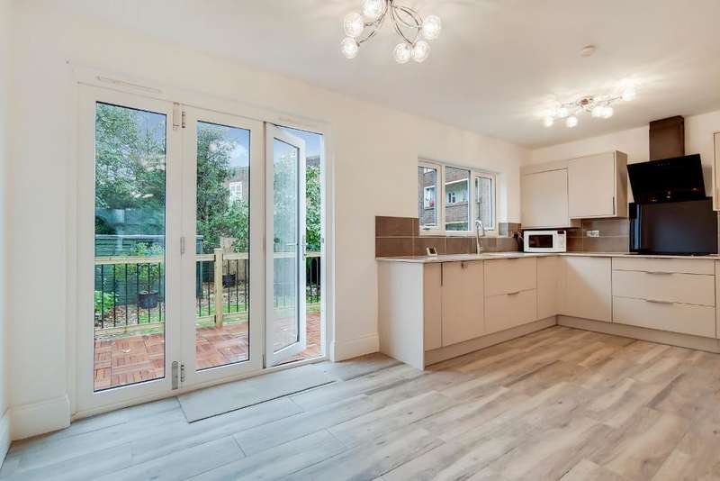 3 Bedrooms House for sale in Colney Hatch Lane, Muswell Hill, London, UK, N10 1EY