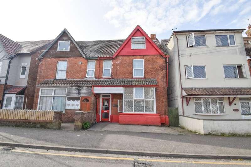 9 Bedrooms Semi Detached House for sale in Grosvenor Road, Skegness, PE25