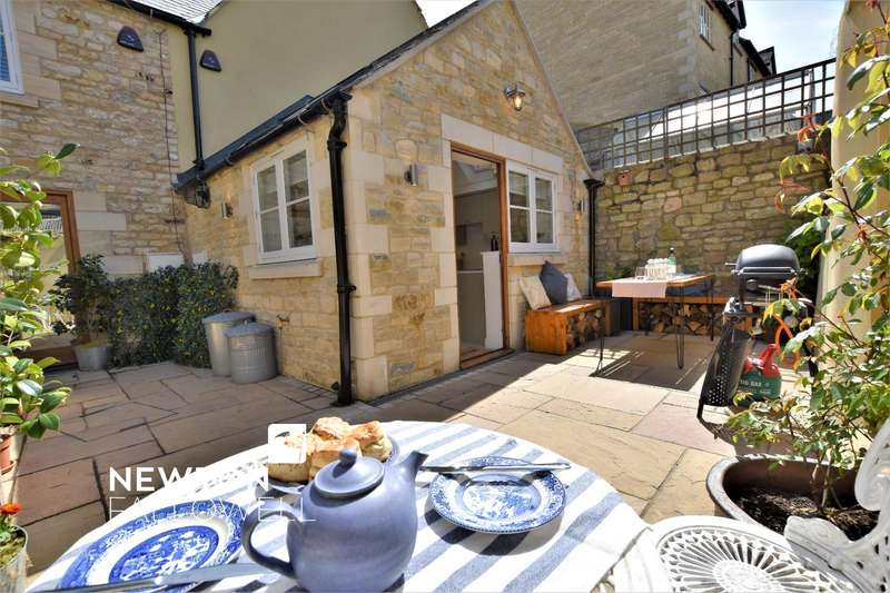 3 Bedrooms Town House for sale in Scotgate, Stamford
