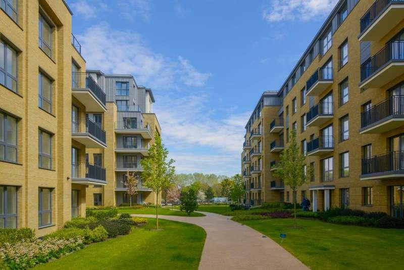 2 Bedrooms Apartment Flat for rent in Broom Road, Teddington, TW11