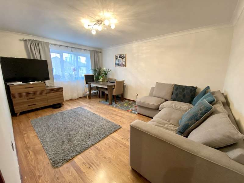 1 Bedroom Flat for sale in Camelot Close, London, London, SE28