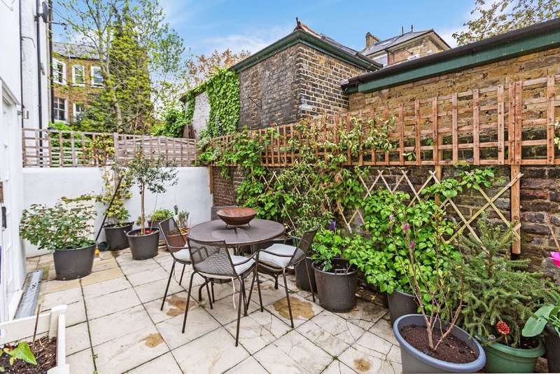 2 Bedrooms Flat for sale in Tremadoc Road, Clapham