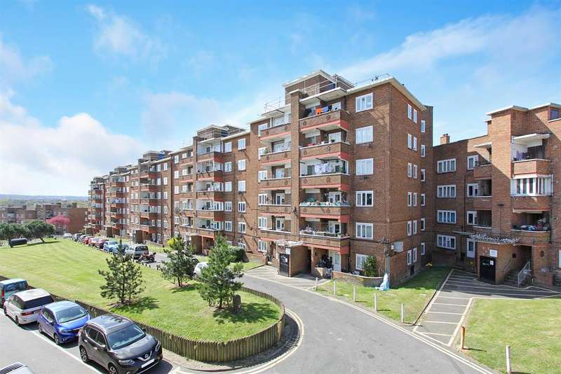 3 Bedrooms Flat for sale in Morris Court, Dylways, London, SE5 8HS