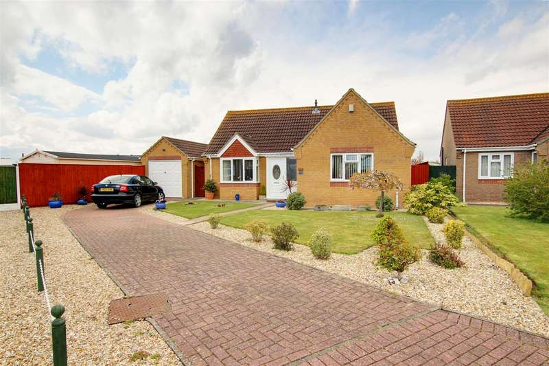2 Bedrooms Detached Bungalow for sale in Aqua Drive., Mablethorpe