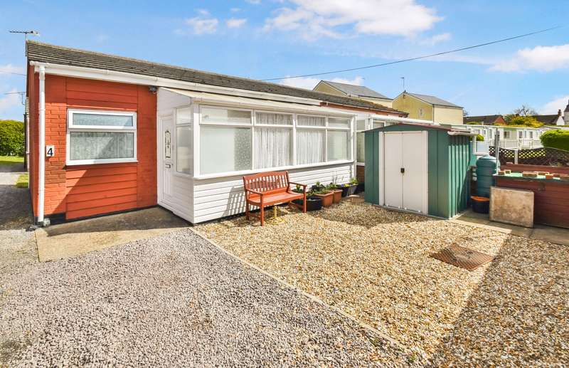 1 Bedroom Bungalow for sale in Burgh Road, Skegness, PE25