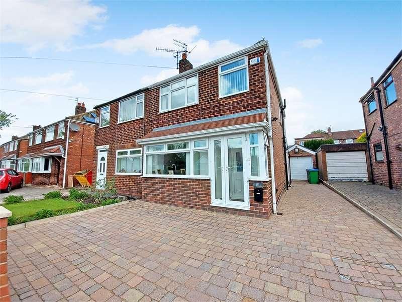 3 Bedrooms Semi Detached House for sale in Kirkway, Alkrington, Middleton, Manchester, Lancashire