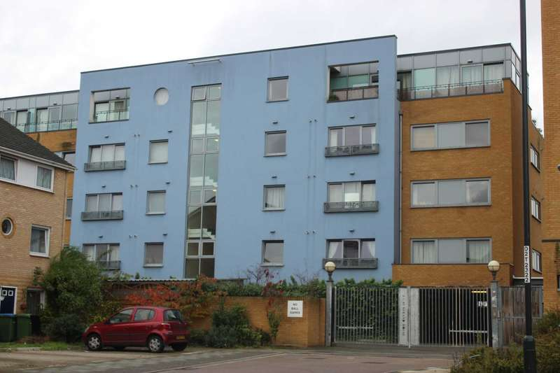 2 Bedrooms Apartment Flat for sale in Strand House, Thamesmead West, SE28 0LU