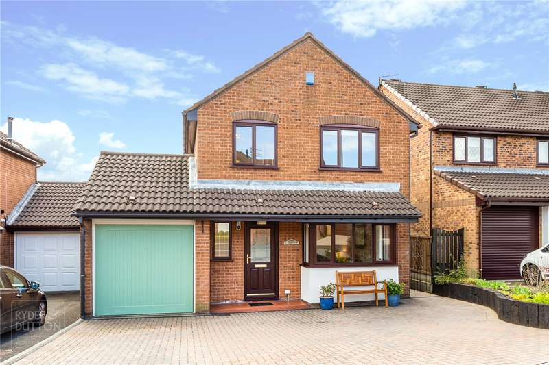 4 Bedrooms Detached House for sale in Ridgewood Avenue, Firwood Park, Chadderton, Oldham, OL9
