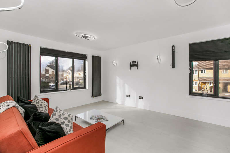 2 Bedrooms Apartment Flat for sale in Slagrove Place, London