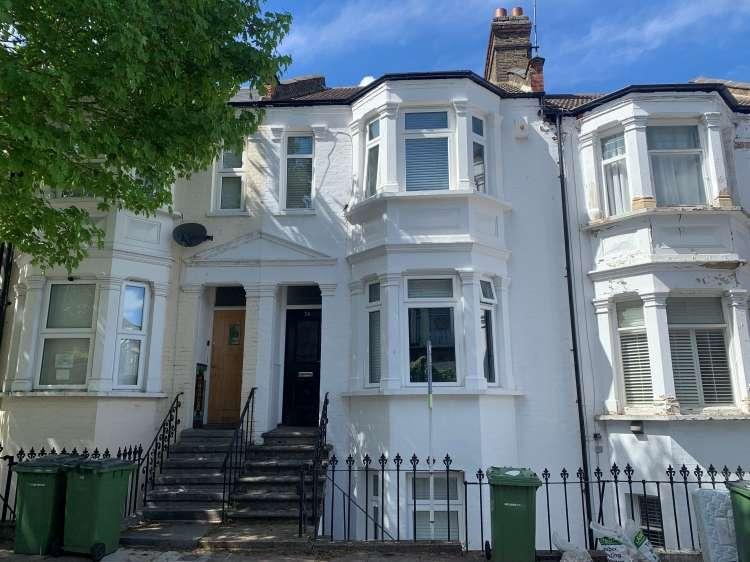 5 Bedrooms Terraced House for sale in Ennis Road London SE18