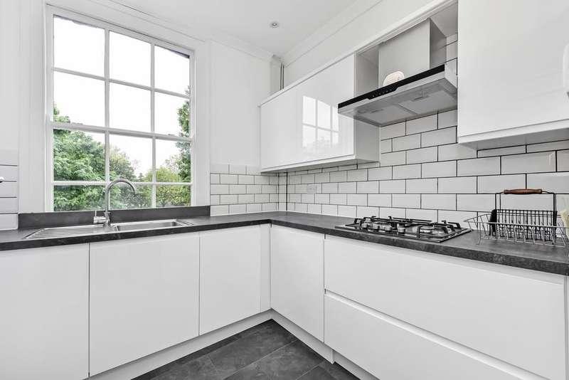 3 Bedrooms Flat for rent in Carter Street, London SE17