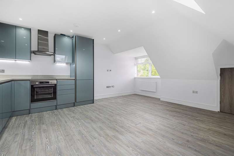 2 Bedrooms Flat for sale in Spencers Wood, Berkshire, RG7