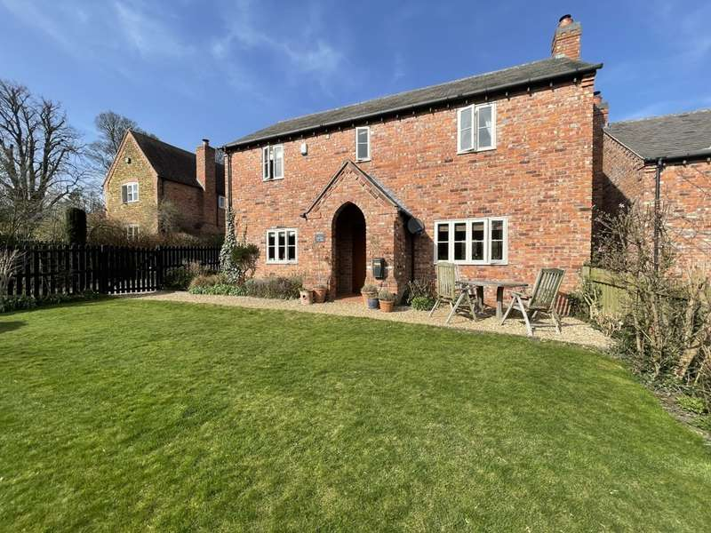 3 Bedrooms Detached House for sale in Main Street, Pickwell