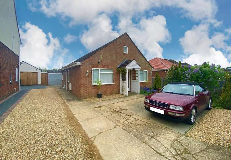 2 Bedrooms Bungalow for sale in Gladstone Street, Bourne