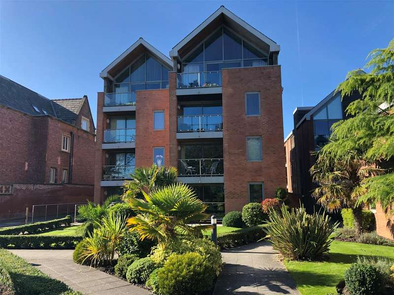 2 Bedrooms Apartment Flat for sale in Holcroft House, Fairlawn Road, Lytham
