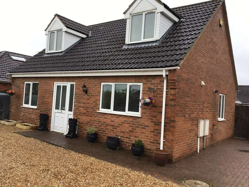 3 Bedrooms Detached House for sale in Hawthorn Road, Lincoln, Lincolnshire, LN3