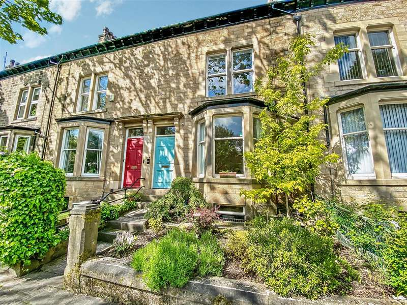 4 Bedrooms Terraced House for sale in Dallas Road, Lancaster