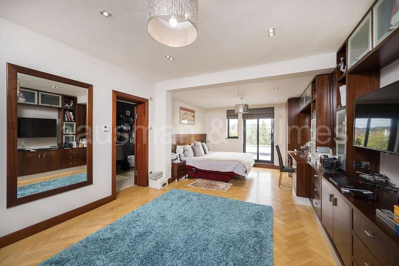 6 Bedrooms Detached House for sale in Basing Hill, NW11