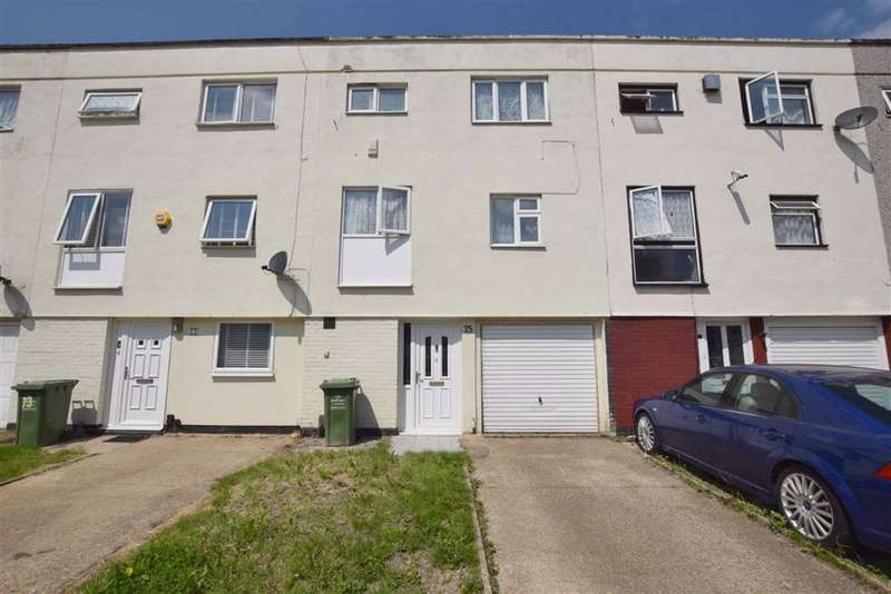 4 Bedrooms Town House for sale in Roodegate, Basildon, Essex