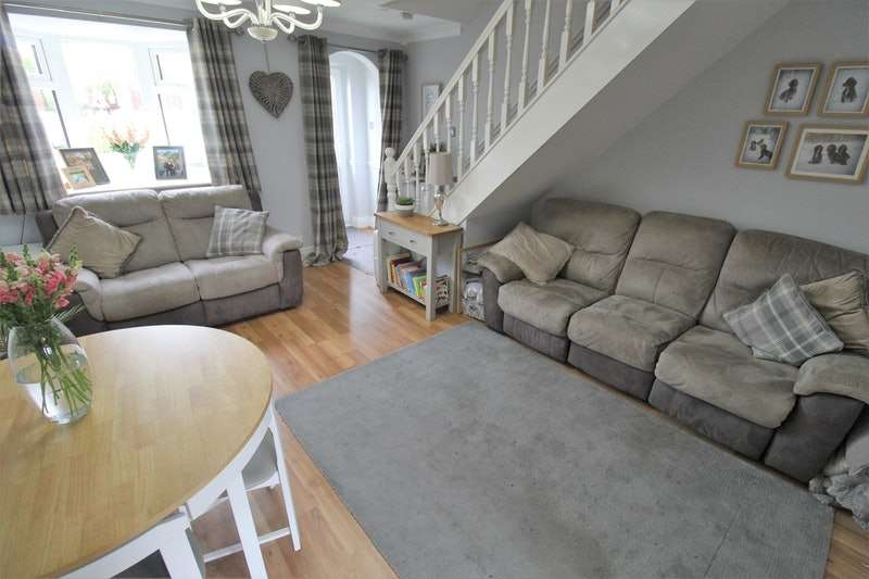 2 Bedrooms Terraced House for sale in Pheasant Court, Caistor, Lincolnshire, LN7